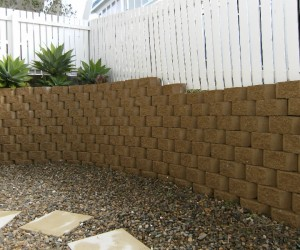 Clean Retaining Wall